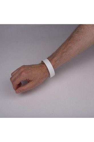 E16WB synthetic wristband
